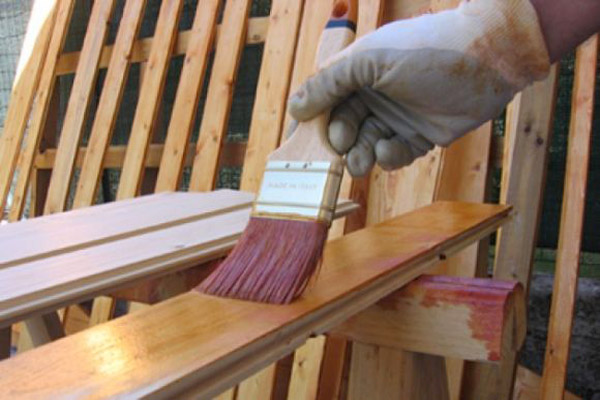 Smalti per legno e metalli edilver colorificio milano - Verniciare le finestre ...
