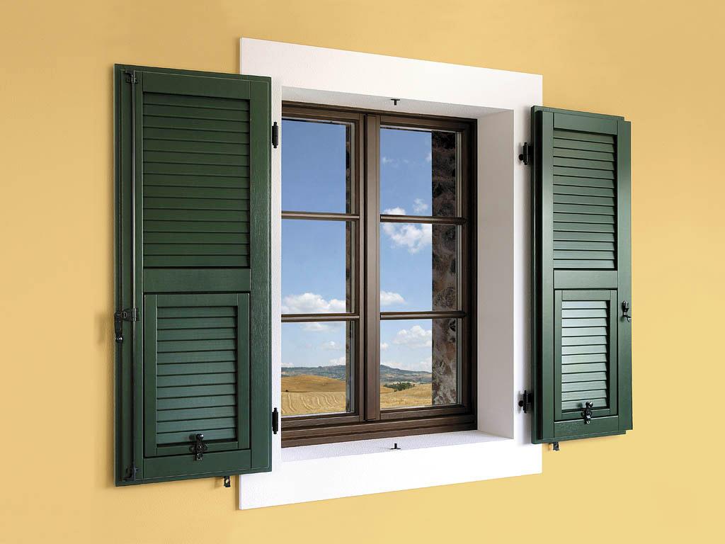 Smalti per legno e metalli edilver colorificio milano for Serramenti esterni
